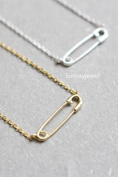 Safety Pin pendant necklace, Simple necklace, Everyday necklace, Wedding necklace, Mothers day gift